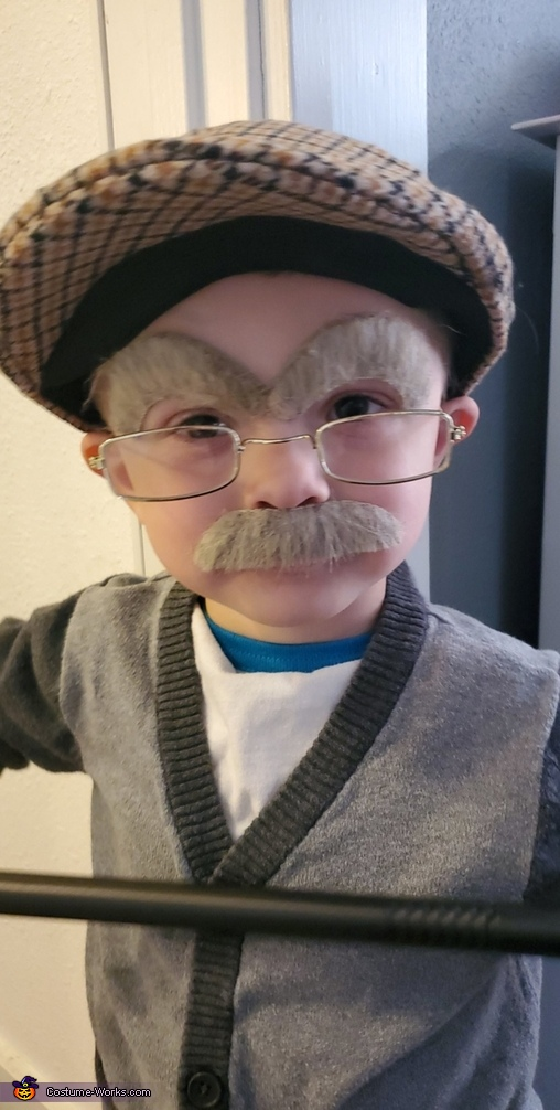 Close up, Old Man Max Costume