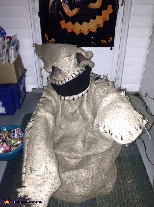 Oogir Boogie says come here, Oogie Boogie Costume