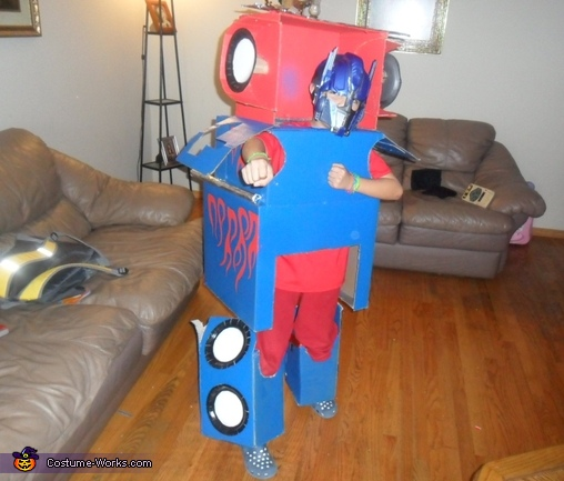 Optimus Prime Transformer - Homemade costumes for boys