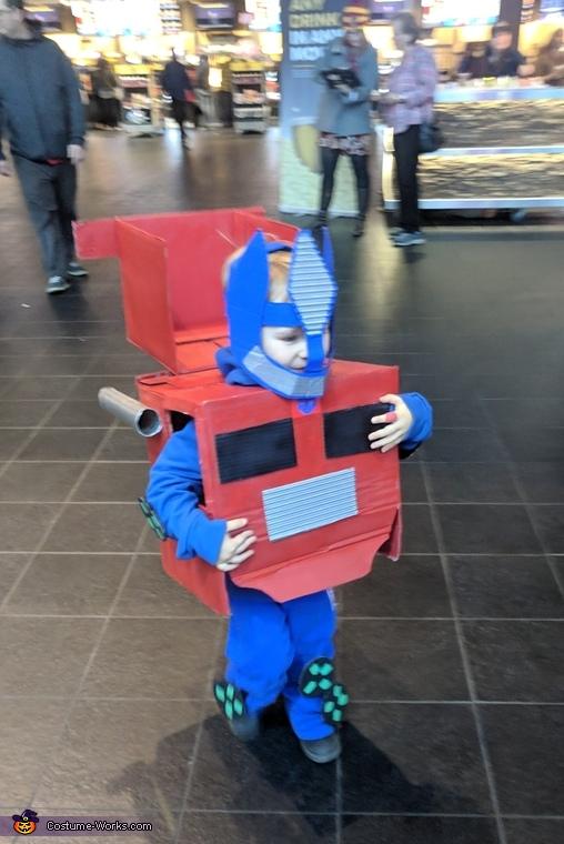 Easy DIY Optimus Prime Costume