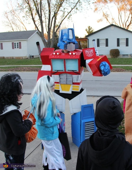 Optimus amongst the neighborhood kids, Optimus Prime Costume