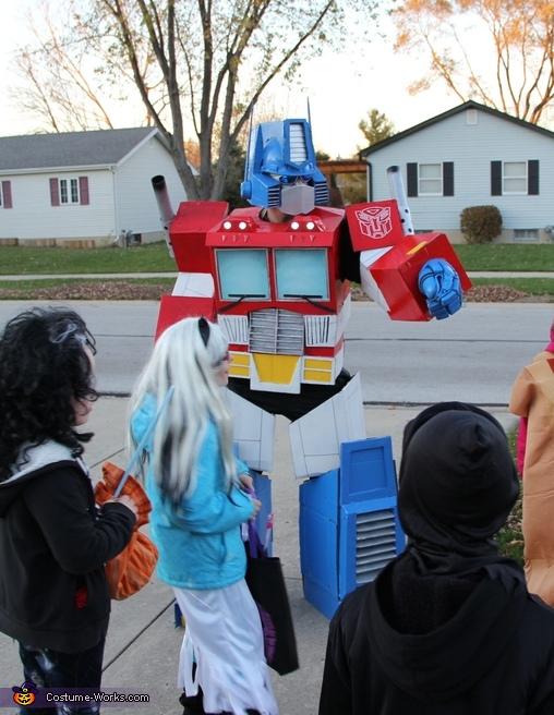 Optimus amongst the neighborhood kids, Optimus Prime Costume