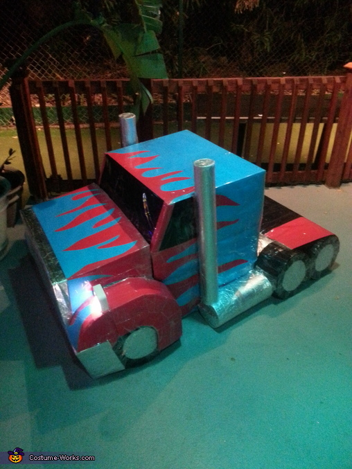 Optimus Prime in the truck-form, Optimus Prime Costume