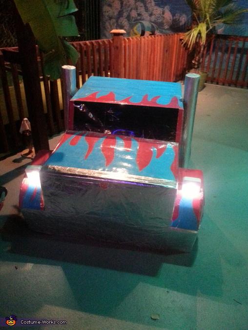 Front of Optimus Prime with motion sensor headlights, Optimus Prime Costume