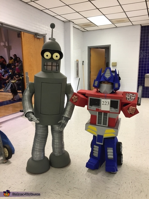 Brotherly Love Bender and Optimus, Optimus Prime Costume