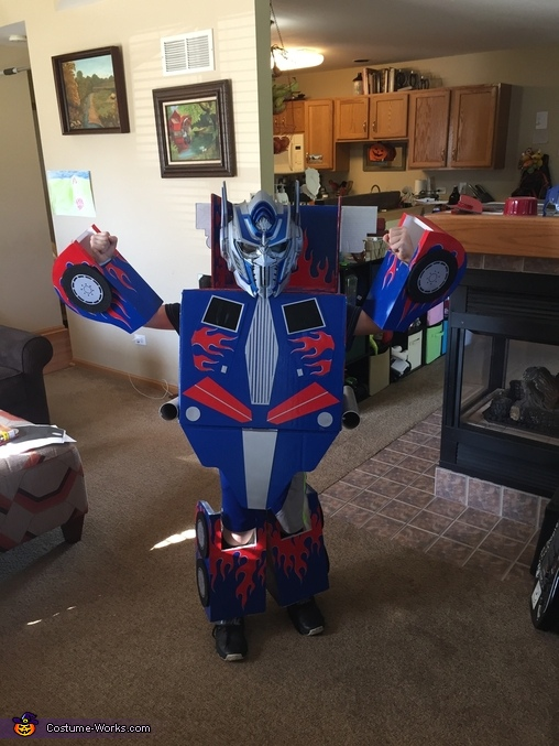 Autobot mode 2, DIY Optimus Prime Costume for Boys