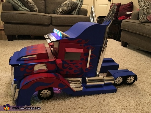 Side, Optimus Prime Transforming Costume