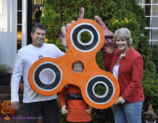 Fidget Spinner and the Fingers that spin it!, Orange Fidget Spinner Costume