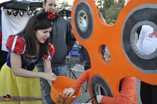 Fidget Spinner reaches for some candy!, Orange Fidget Spinner Costume