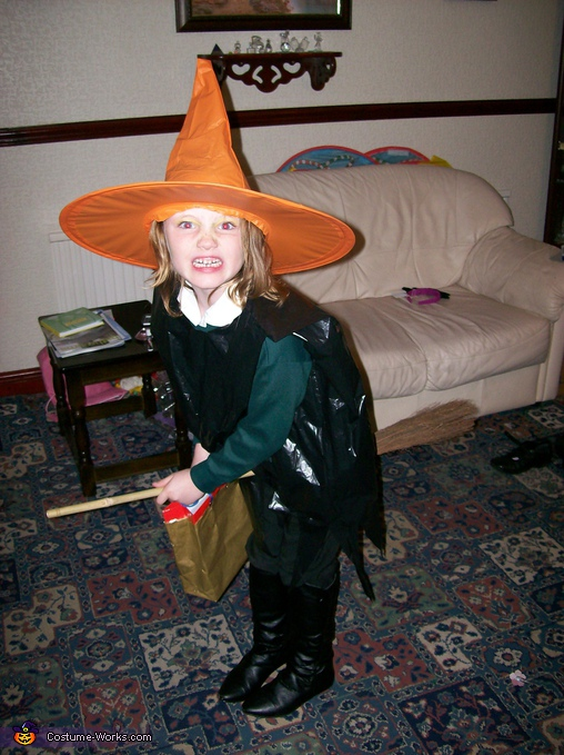 Orange Witch - Homemade costumes for girls