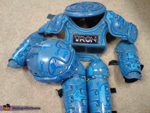 Tron gear,  Tron Costume