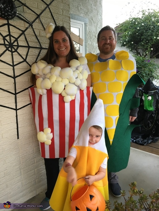 Our Family is So Corny! Costume