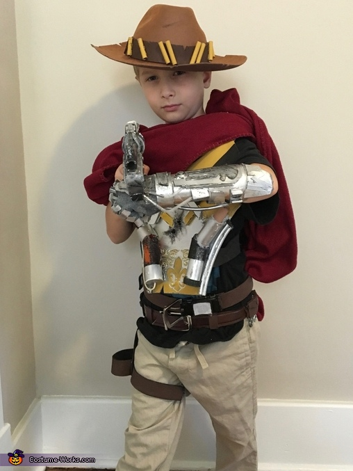 'It's hiiiigh noon', Overwatch McCree Costume