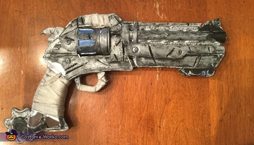 Closer look at the gun, Overwatch McCree Costume