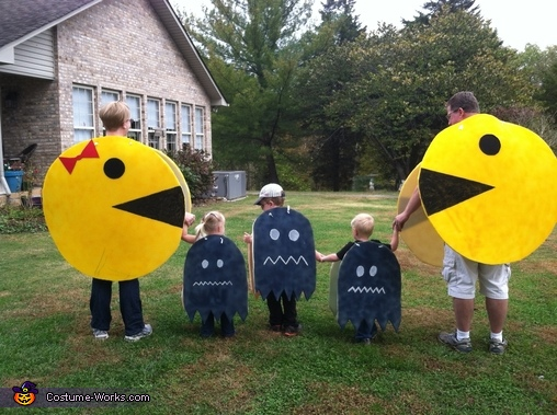 After a fewpower pellets, the Kiddos turn and run!, Pac-Man and Crew Costume