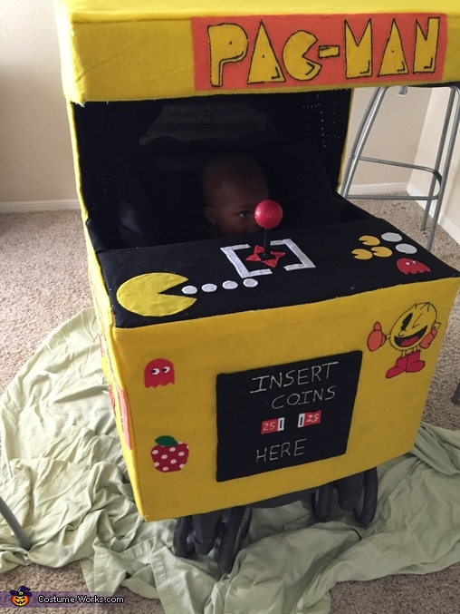 finished pac-man arcade, Pac-Man Arcade with Pac-Man Costume