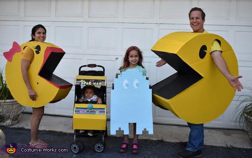 Pacman Family Retro Fun Costume