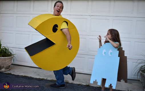 Watch out Pacman, ghost is right behind you!, Pacman Family Retro Fun Costume