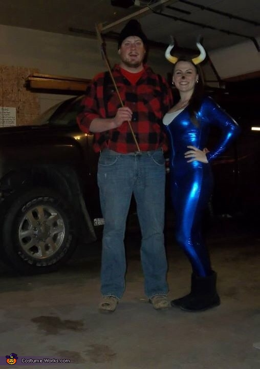 By the wagon!, Paul Bunyan and his Babe the Blue Ox Costume
