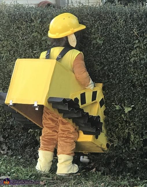 Pushing down the bush!, Paw Patrol Rubble Costume