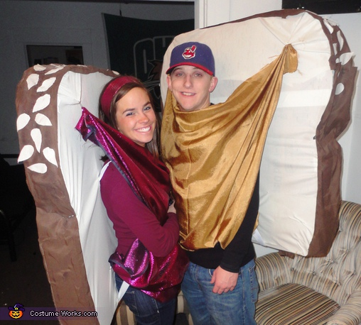 Peanut Butter and Jelly Sandwich - Homemade costumes for couples