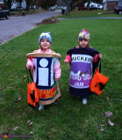 Fully functional for trick-or-treating, Peanut Butter & Jelly Costume