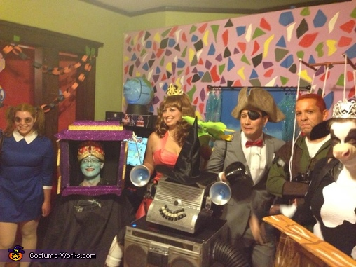 Pee-wee's Playhouse Group Costume