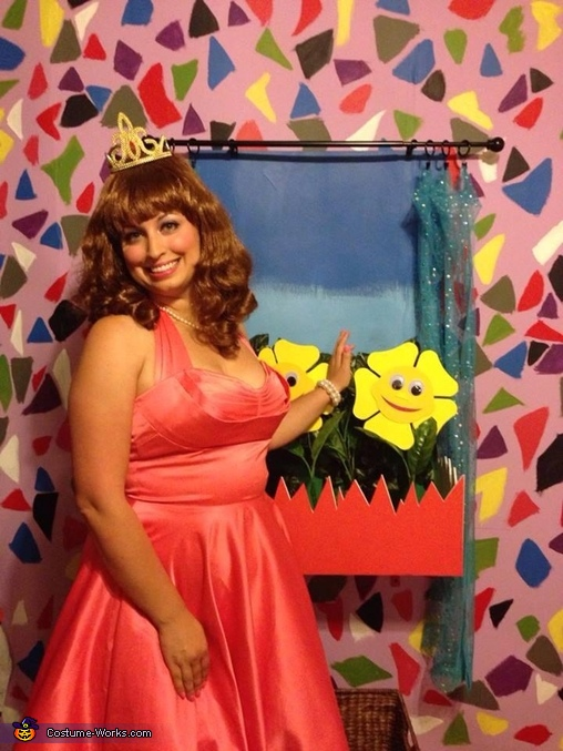 Miss Yvonne is the most beautiful woman in Puppetland, Pee-wee's Playhouse Group Costume