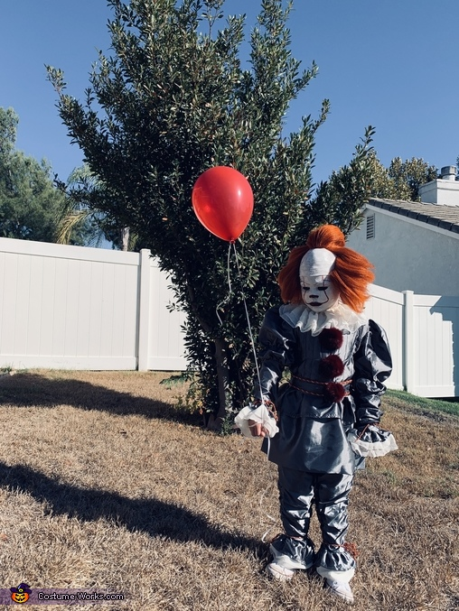 you'll float too!!, Pennywise Costume