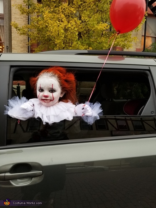 Creeping people out from the car, Pennywise Costume