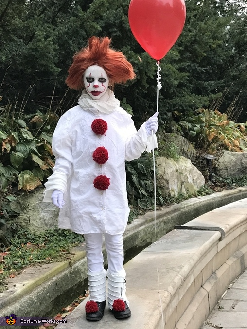 Pennywise in the Park #3, Pennywise Costume