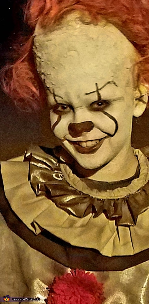 Close up, Pennywise Costume