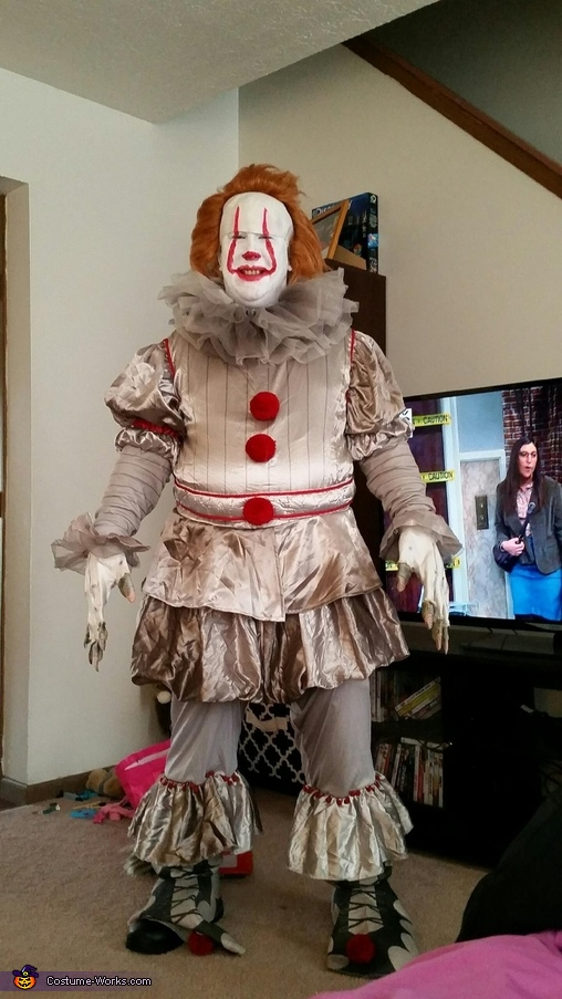 Pennywise Costume