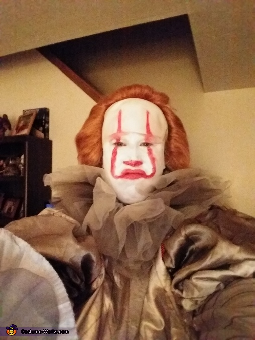 Nobody wants to play with me, Pennywise Costume