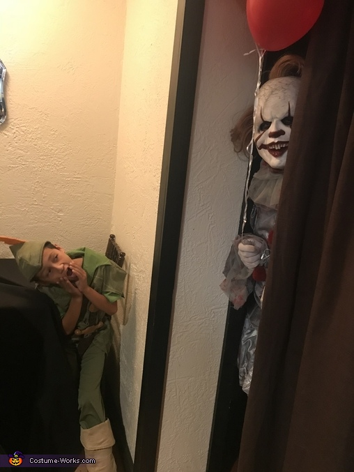 Pennywise hiding, Pennywise Costume
