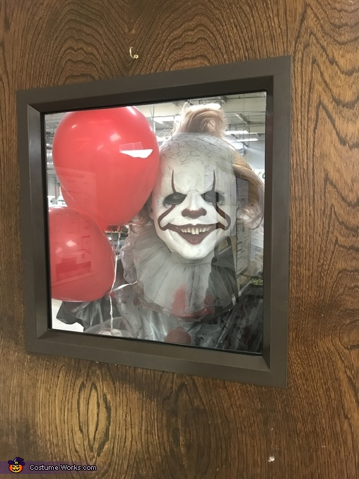 Pennywise looking through door, Pennywise Costume