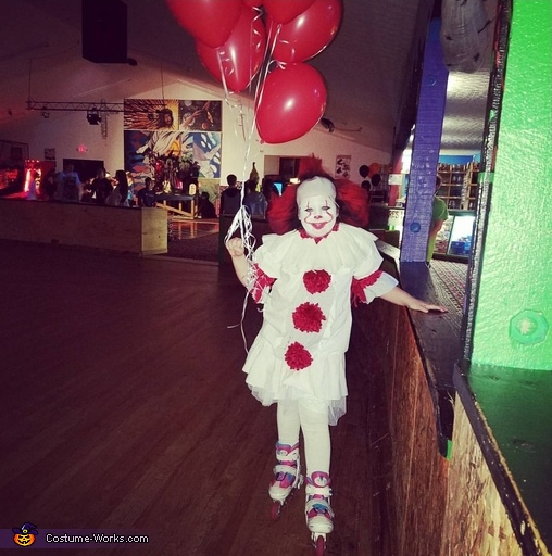 Pennywise skating, Pennywise Costume