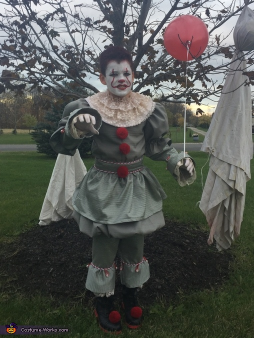 Pennywise, Pennywise 2017 Costume