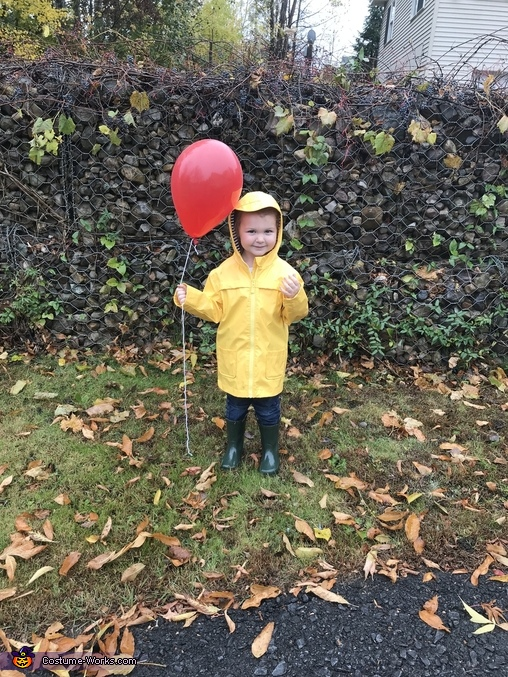 We all float down here, Pennywise and Georgie Costume