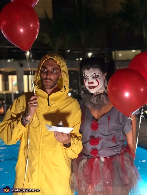 pennywise and georgie from it costume photo 3 5