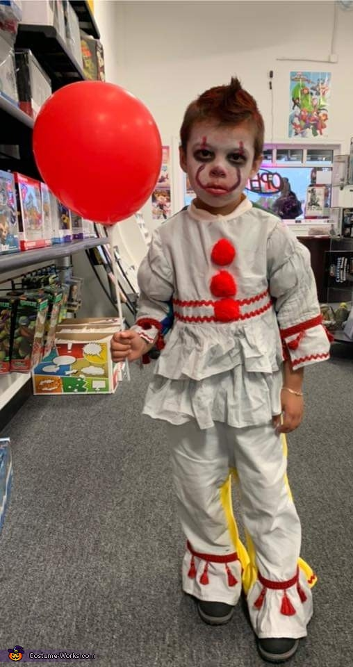 Pennywise (IT) Costume