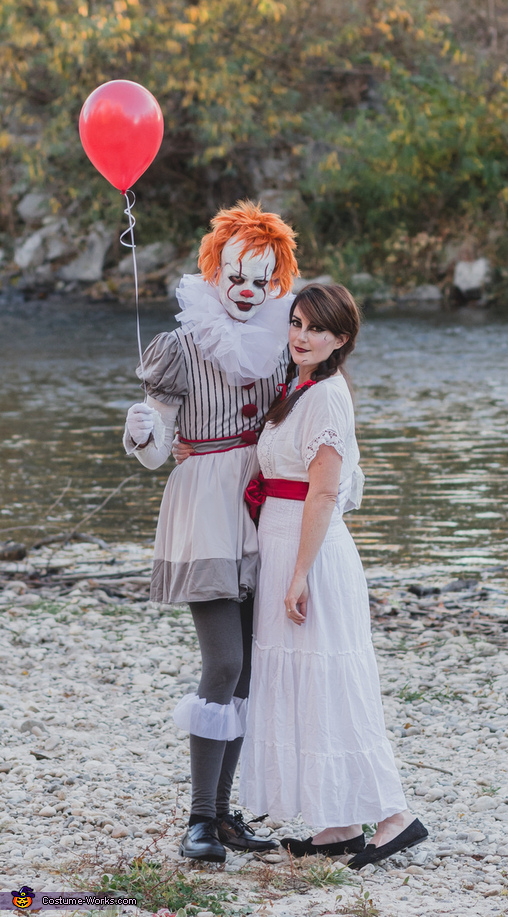 Pennywise & Annabelle Costume