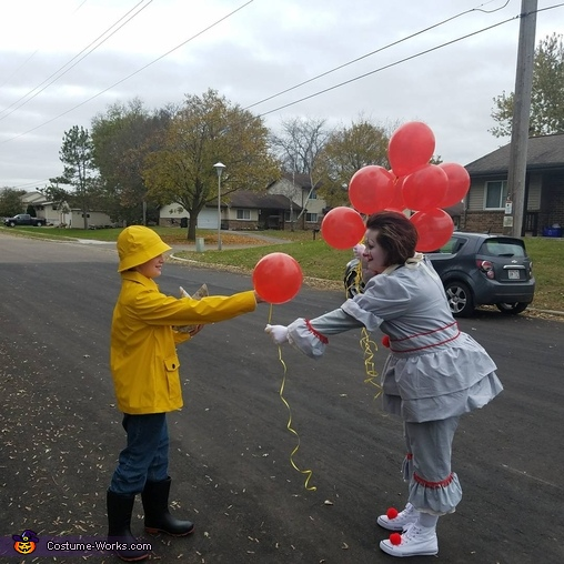 would you like a balloon Georgie?, Pennywise & Georgie Costume