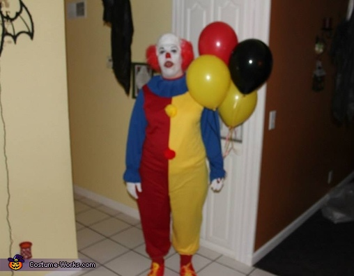 Pennywise the Clown Adult Costume