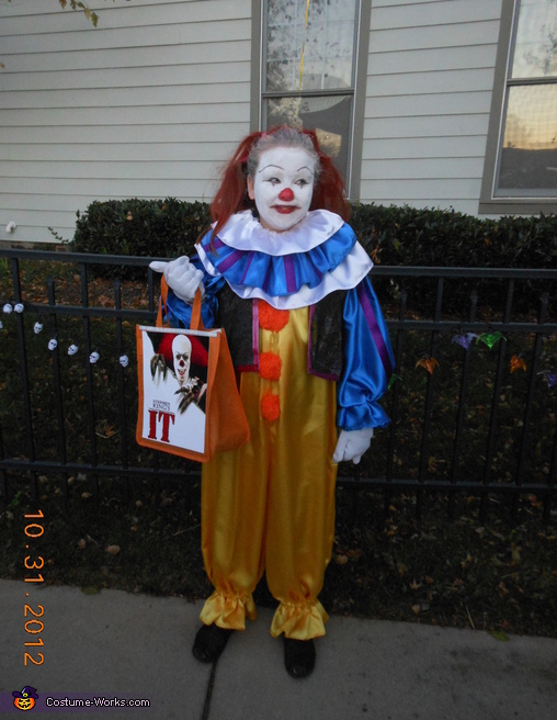 Pennywise the Clown from IT - Homemade costumes for girls