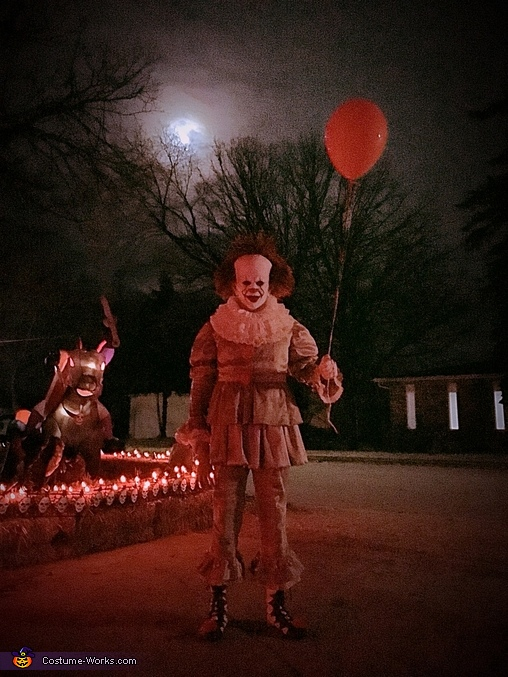 Want a balloon?, Pennywise the Dancing Clown Costume