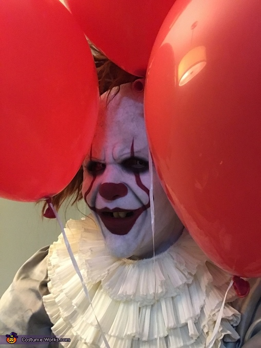 We all float down here., Pennywise the Dancing Clown Costume