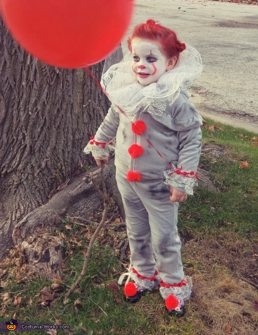 Pennywise the Dancing Clown Costume