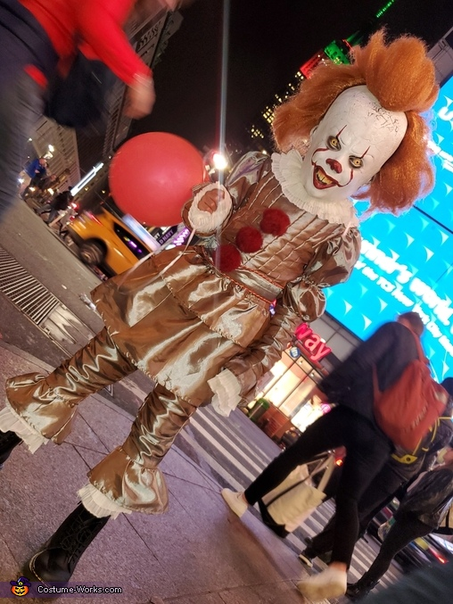 Pennywise Takes NYC, Pennywise the Dancing Clown Costume