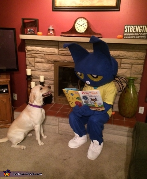 Even his dog was captivated...., Pete the Cat Costume